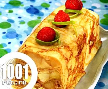 Млинцевий пиріг з яблучно-сметанною начинкою