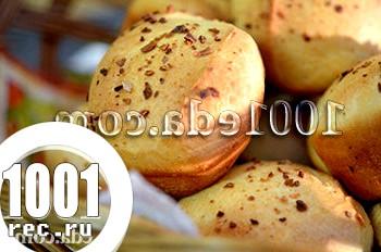 Булочки для вечері з тестом з хлібопічки: рецепт з покроковим фото