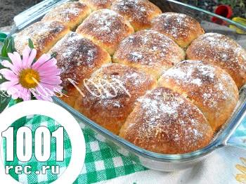 Булочки з варенням і горіхами: рецепт з покроковим фото