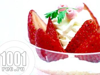 Швидкий десерт Полуниця з вершками