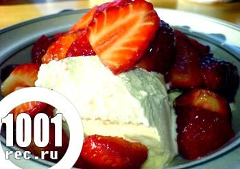 Швидкий десерт Спекотна полуниця з перцем