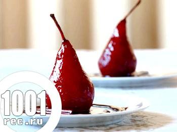 Десерт з груші з червоним вином