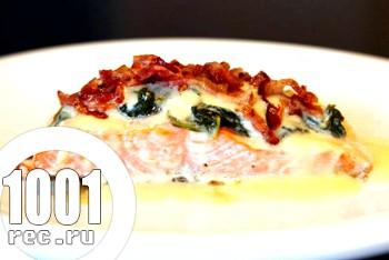 Форель запечена зі шпинатом і вершковим сиром