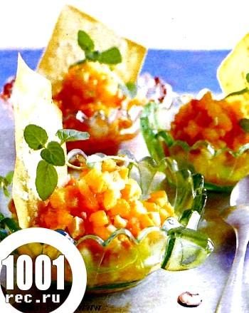 Фруктовий салат з чіпсами