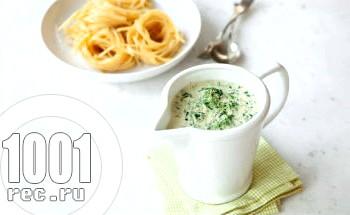 Густий соус зі шпинатом і сиром пармезан