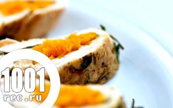 Курячий рулет з грибами і морквою по-корейськи