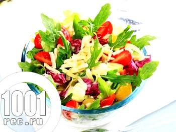 Оригінальний салат з кавуном