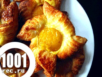 Відкриті пиріжки з абрикосами