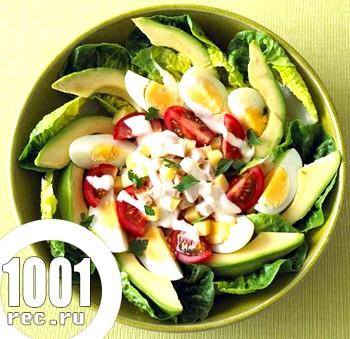 Овочевий салат із заправкою з авокадо