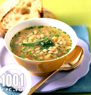 Пісний суп із квасолею і горіхами