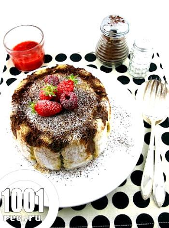 Рецепт шарлотки з кавою і полуницею