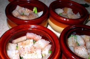 Риба з овочами в горщику