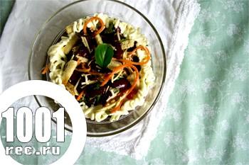 Салат з квасолі з сухариками і корейської морквою: рецепт з покроковим фото