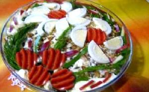 Салат з фруктів і овочів «Бухарест».