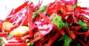 Салат з капусти з буряком і селерою