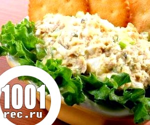 Салат з осетрової риби і консервованого зеленого горошку «Столиця».