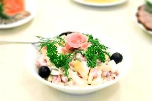 Салат з овочів і шинки по-болгарськи «Комбінований».