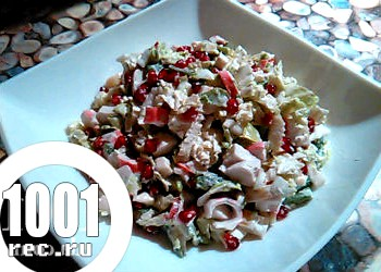Салат з пекінської капусти з крабовими паличками і квасолею