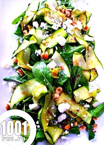 Салат зі шпинату і цукіні