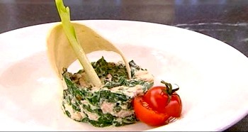 Салат зі шпинату з куркою