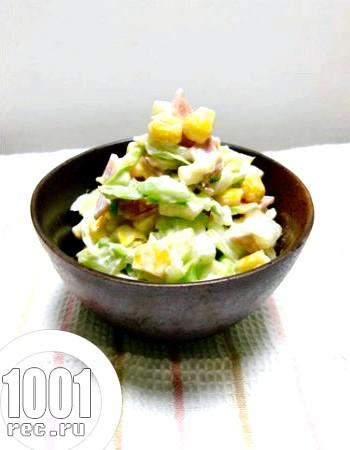 Салат з шинки, сиру та капусти