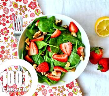 Салат з полуницею до шашлику