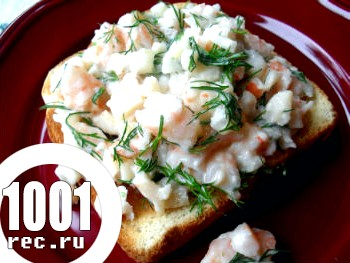 Салат з креветками і картоплею