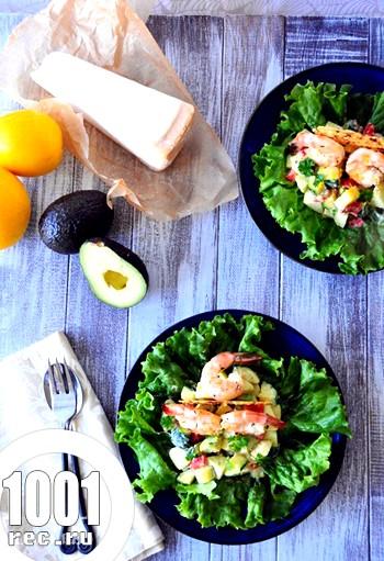 Салат з креветками і сиром пармезан