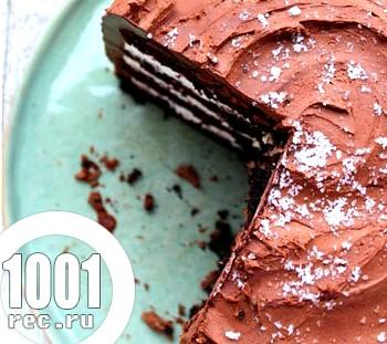 Шоколадний торт з маскарпоне в шоколадній глазурі