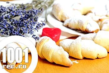 Солодкі рогалики з горіхами: рецепт з покроковим фото