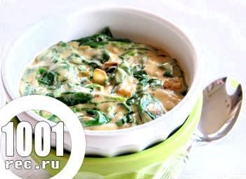 Вершковий соус зі шпинатом, сиром і грибами