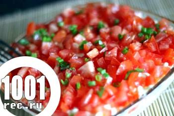 Листковий салат з креветками і помідорами