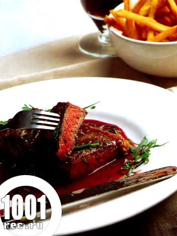 Стейк з яловичини в червоному вині