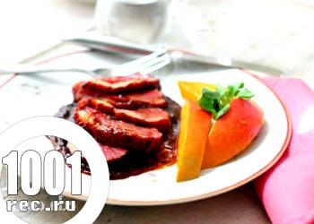 Качка з айвою, часником і соєвим соусом
