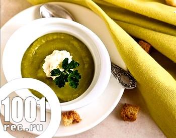 Весняний суп-пюре з зеленим горошком