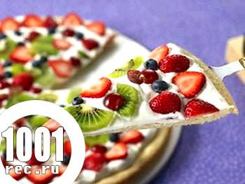 Весняна піца з фруктами