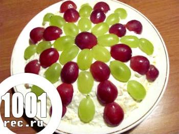 Виноградний салат з куркою