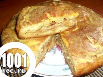 Смачний пиріг з тушкованою капустою