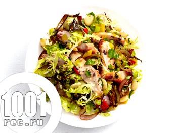 Смачний салат із квасолі і курки